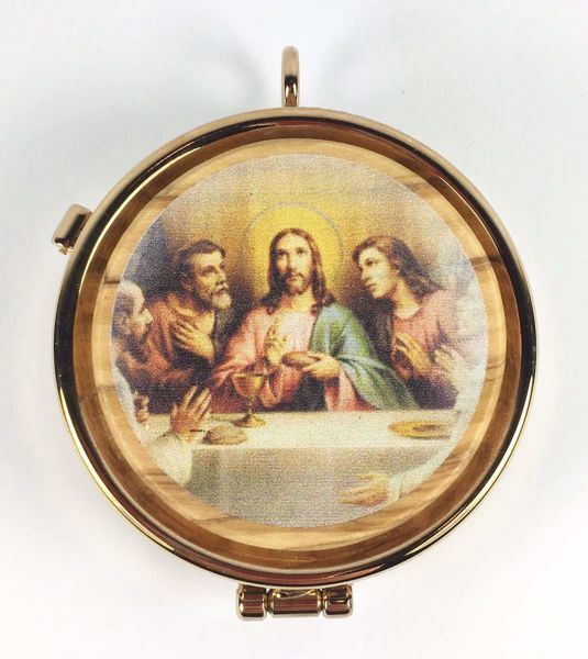 Picture of Eucharistic Pyx Hosts Box Diam. cm 5 (2,0 inch) Last Supper in Gold plated Brass and Olive Wood of Assisi