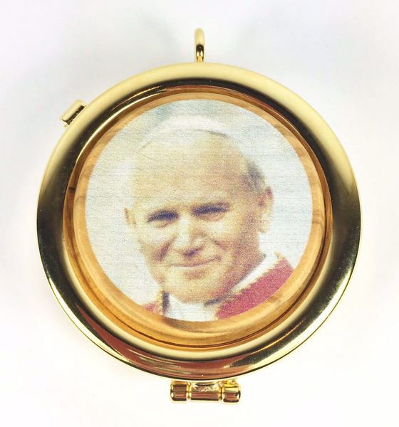 Immagine di Teca eucaristica Viatico Scatola porta Ostie Diam. cm 6 (2,4 inch) Santo Giovanni Paolo II in Ottone dorato e Legno di Ulivo di Assisi