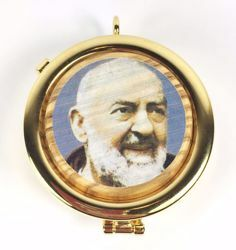 Picture of Eucharistic Pyx Hosts Box Diam. cm 6 (2,4 inch) Saint Padre Pio of Pietrelcina in Gold plated Brass and Olive Wood of Assisi
