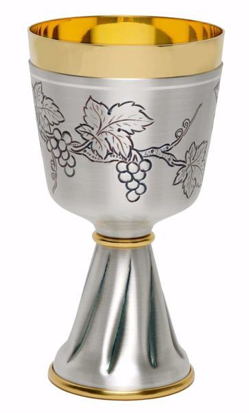 Picture of Liturgical Chalice H. cm 16,5 (6,5 inch) Grapes in chiseled brass Gold Silver for Holy Mass Altar Wine