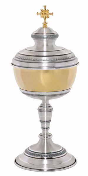 Picture of Large Liturgical Ciborium H. cm 35 (13,8 inch) corolla shape lathed foot in brass Gold Silver