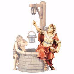 Immagine di Contadina al pozzo cm 23 (9,1 inch) Presepe Ulrich dipinto a mano Statua artigianale in legno Val Gardena stile barocco