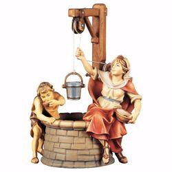 Immagine di Gruppo al pozzo 3 Pezzi cm 23 (9,1 inch) Presepe Ulrich dipinto a mano Statue artigianali in legno Val Gardena stile barocco