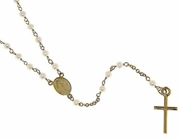 Imagen de Collar Rosario largo Cuello Redondo con Medalla Nuestra Señora Milagrosa y Cruz gr 6 Oro amarillo 18kt con Perlas para Mujer