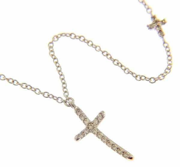 Imagen de Collar Cuello Redondo con Cruz grande y pequeña con puntos de Luz gr 2,6 Oro blanco 18kt con Zircones para Mujer