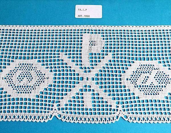 Imagen de Encaje de Bolillos Bordado Chi Rho Alfa Omega H. cm 13 (5,1 inch) Algodón puro Blanco para Mantel de Altar y Vestiduras Sagradas