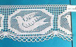 Imagen de Encaje de Bolillos Bordado Paloma H. cm 10 (3,9 inch) Algodón puro Blanco para Mantel de Altar y Vestiduras Sagradas