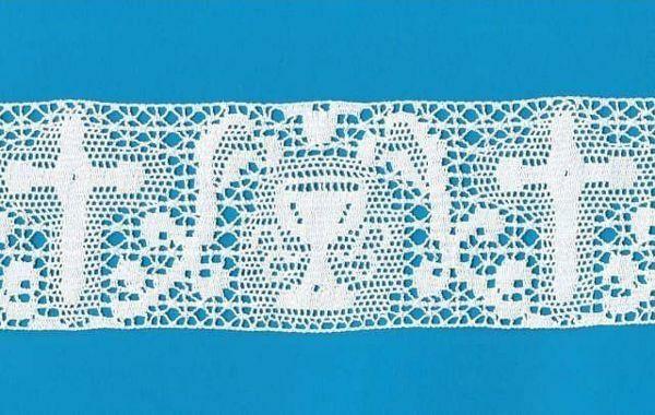 Imagen de Encaje de Bolillos Bordado Cruz y Cáliz H. cm 8 (3,1 inch) Algodón puro Blanco para Mantel de Altar y Vestiduras Sagradas