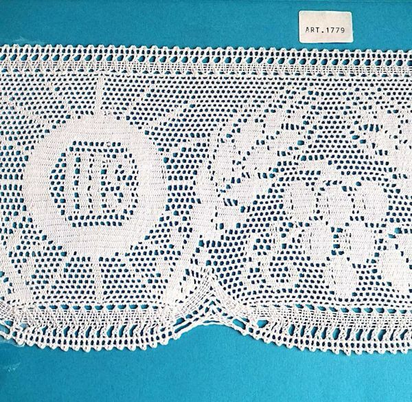 Picture of Bobbin Lace IHS Eears of Corn and Grapes Embroidery H. cm 15 (5,9 inch) pure Cotton White for Altar Tablecloth and Liturgical Vestments