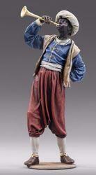Imagen de Paje de los Reyes Magos con trompeta cm 10 (3,9 inch) Pesebre vestido Immanuel estilo oriental estatua en madera Val Gardena trajes de tela