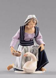 Immagine di Bambina inginocchiata con oca cm 14 (5,5 inch) Presepe vestito Hannah Alpin statua in legno Val Gardena abiti in tessuto