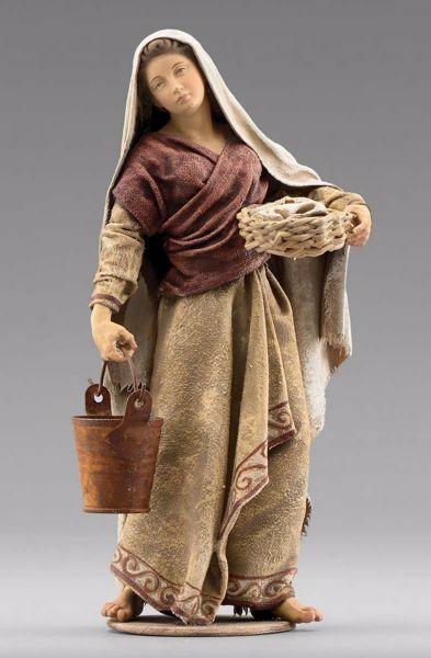 Imagen de Mujer con cubo cm 40 (15,7 inch) Pesebre vestido Immanuel estilo oriental estatua en madera Val Gardena trajes de tela
