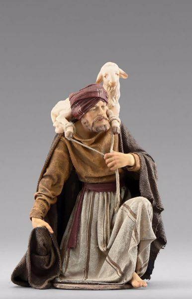 Immagine di Pastore inginocchiato con agnello cm 20 (7,9 inch) Presepe vestito Immanuel stile orientale statua in legno Val Gardena abiti in stoffa