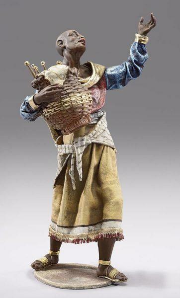 Imagen de Camellero moro con cesta cm 30 (11,8 inch) Pesebre vestido Immanuel estilo oriental estatua en madera Val Gardena trajes de tela