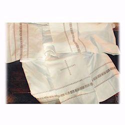 Immagine di SU MISURA Camicione liturgico collo chiuso ricamo a mano Croce quadrata e simboli puro cotone bianco