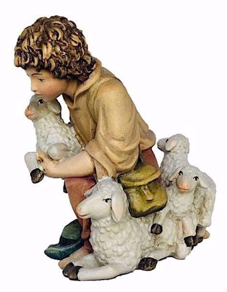 Immagine di Pastorello in ginocchio con Pecore cm 18 (7,1 inch) Presepe Matteo stile orientale colori ad olio in legno Val Gardena