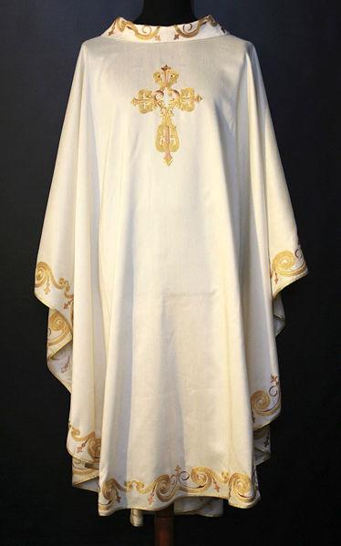Imagen de Casulla Cuello Anillo. Bordado Ramage Cruz Lona Vaticana Marfil Rojo Verde Violeta