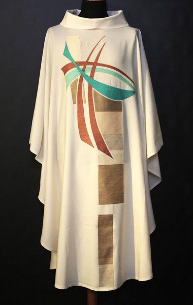 Immagine di Casula Collo ad Anello ricamo diretto Croce stilizzata moderna Tela Vaticana Avorio Rosso Verde Viola