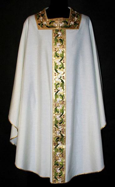 Immagine di Casula collo quadrato Stolone e collo in raso motivo floreale oro e colori Tela Vaticana Avorio Rosso Verde Viola