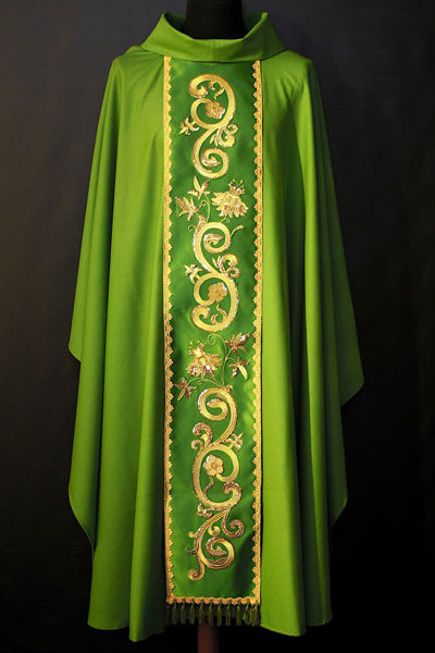 Picture of Chasuble Ring Neck Stolon in Floral Satin Vatican Canvas Ivory, Red, Green, Violet