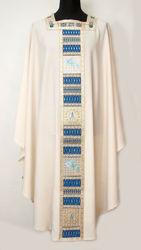 Imagen de Casulla Mariana Cuello Cuadrado Estolón y cuello bordados en hilo de oro y cristales Lona Vaticana Marfil