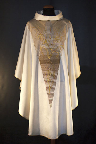 Imagen de Casulla moderna, Cuello Anillo, bordado directo de Espigas Lona Vaticana Marfil