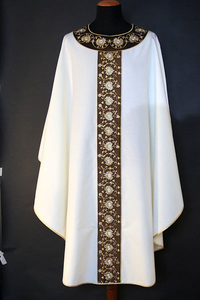 Picture of Chasuble Round Collar Stolon and Neck in Dupion floral pattern pure Wool  Ivory Red Green Violet