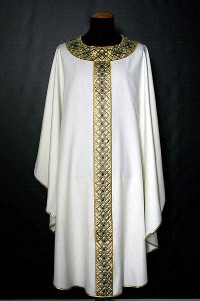 Picture of Chasuble Round Collar Stolon and Neck in Satin Geometric pattern and Mosaic pure Wool Ivory Red Green Violet