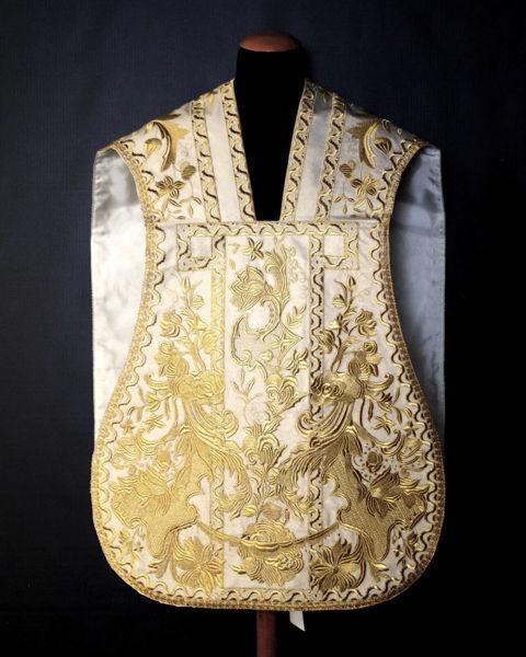 Picture of Roman Planet Trapeze Neck Rich Embroidery  Ancient Baroque design Lamiglia White