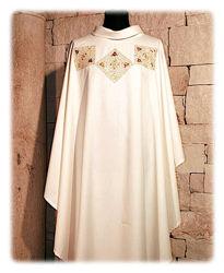 Immagine di Casula Collo anello Ricamo diretto Strass in cristallo Tela Vaticana Avorio Rosso Verde Viola