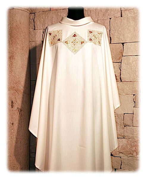 Picture of Chasuble Roll Collar Direct Embroidery Crystal Rhinestones Vatican Canvas Ivory Red Green Violet