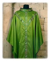 Picture of Chasuble Roll Collar St. Andrew's Cross Orphrey Floral Pattern Shangtung Ivory Red Green Violet