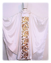 Picture of Chasuble Satin Orphrey and Collar Baroque Embroidery Gold Leaf Sequins Shangtung Ivory Red Green Violet