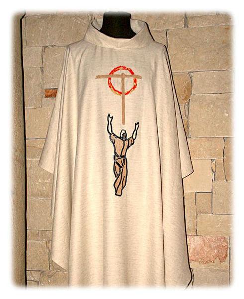 Imagen de Casulla Cuello Anillo Bordado Directo San Francisco Cruz Lona Vaticana Marfil Rojo Verde Morado